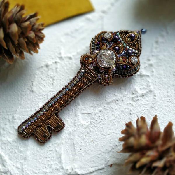 брошь, сувенир, ключ
