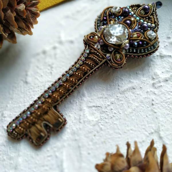 брошь, , сувенир, ключ